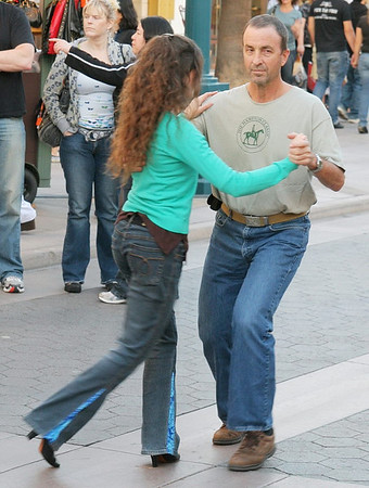 Larry does the Tango on the Promenade