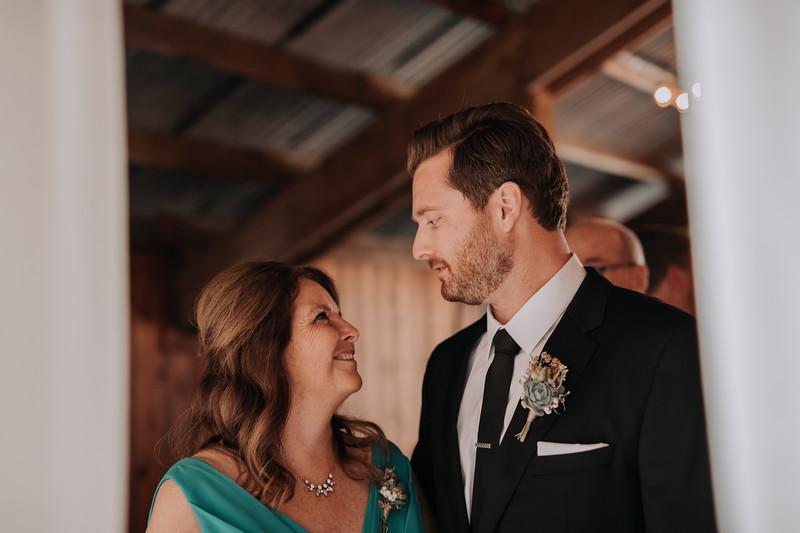 Seattle Wedding Photographer-707.jpg