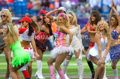 NFL - Cheerleaders,  Fans and Special Events