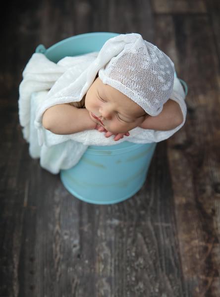 newport_babies_photography_newborn_boy_at_home-4931-1.jpg