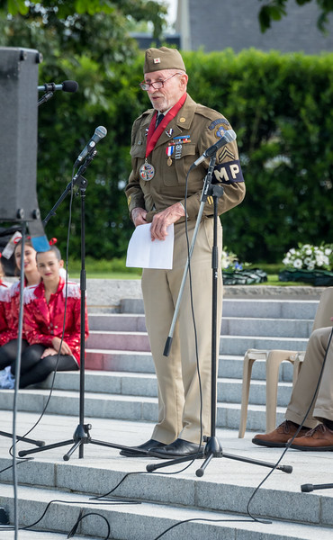 WWII veteran John Wolfe shared his recollections