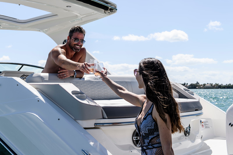2020-SLX-R-310-outboard-lifestyle-22.jpg
