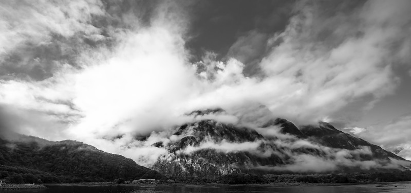 Milford Sound (11 of 15).jpg