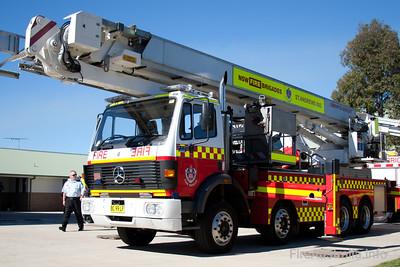 FRNSW - ME203 - Mercedes Bronto Ladder Platform