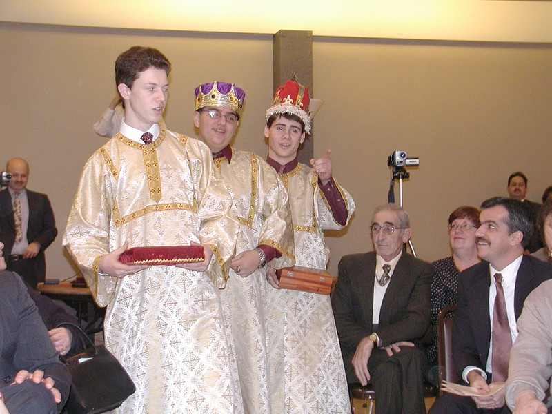 2002-12-21-HT-Christmas-Pageant_137.jpg