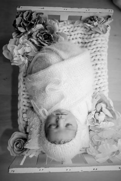 bw_newport_babies_photography_hoboken_at_home_newborn_shoot-5288.jpg
