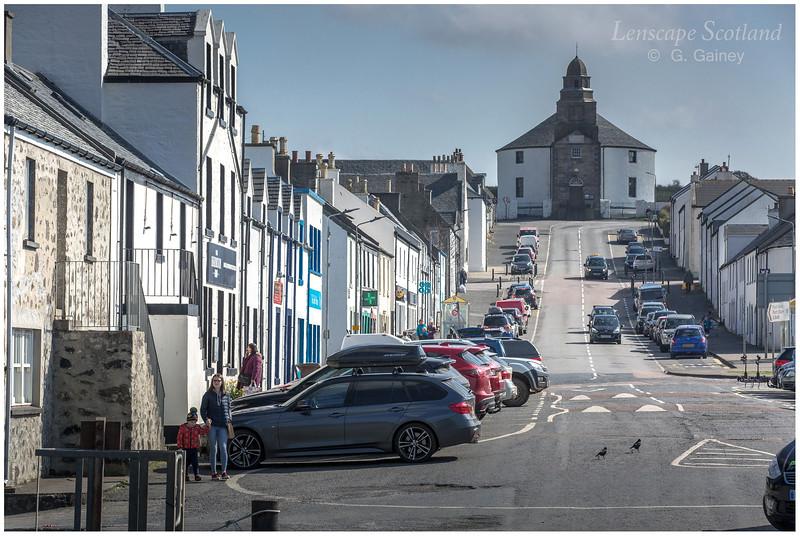 Bowmore Main Street and round church