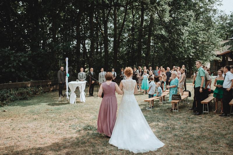 Hochzeitsfotograf-Tu-Nguyen-Destination-Wedding-Photography-Hochzeit-Eulenbis-Christine-Felipe-35.jpg