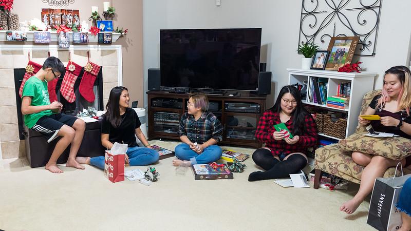 20191224_christmas-pary-vo-family_011.jpg