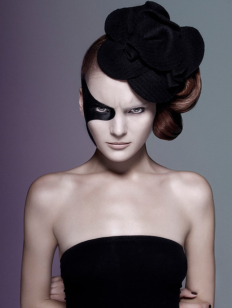 MakeUp-Artist-Aeriel-D_Andrea-Creative-Edgy-Beauty-Creative-Space-Artists-Management-49-Highlights-Magazine.jpg