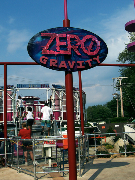 A view of the Zero Gravity sign from later in the day.