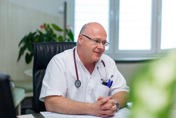 Dr. Scheibner