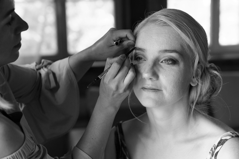 Alise&Andris-Gettingready-51-Edit.jpg