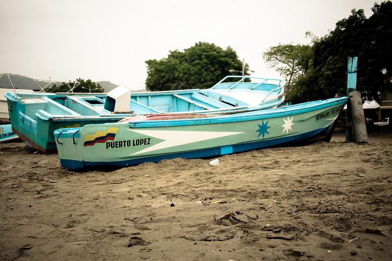 puerto lopez boat.jpg