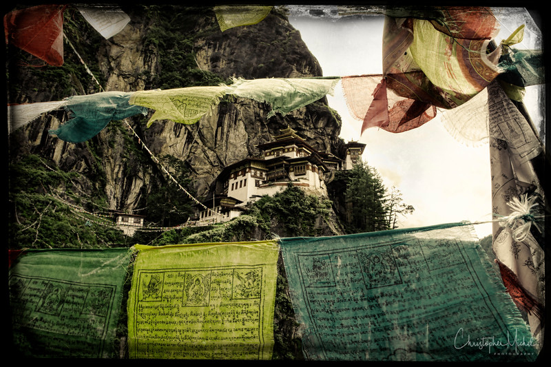 Paro Taktsang-tigers-nest_20120921_2784.jpg