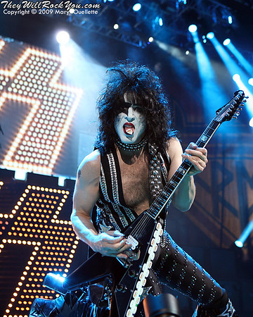 KISS <br> October 5, 2009  <br> TD Banknorth Garden - Boston, MA <br> Photos By: Mary Ouellette