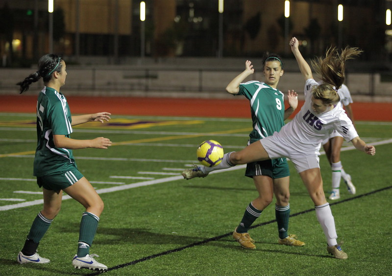 Christina Gonzalez, Sophie Chakalo