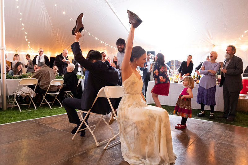 kwhipple_toasts_first_dance_shoe_game_20180512_0129.jpg