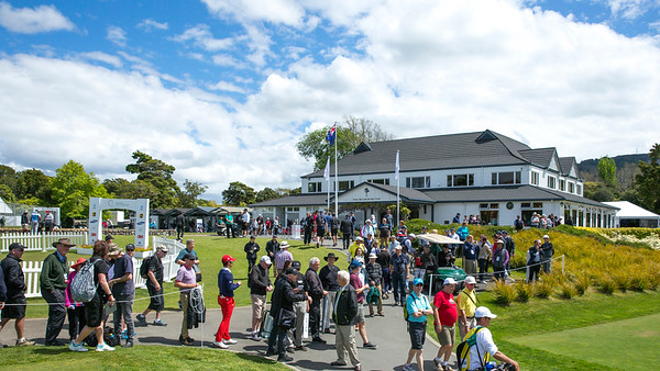 Crowds gathering around the 1st tee on the 2nd day of competition  in the Asia-Pacific Amateur Championship tournament 2017 held at Royal Wellington Golf Club, in Heretaunga, Upper Hutt, New Zealand from 26 - 29 October 2017. Copyright John Mathews 2017.   www.megasportmedia.co.nz