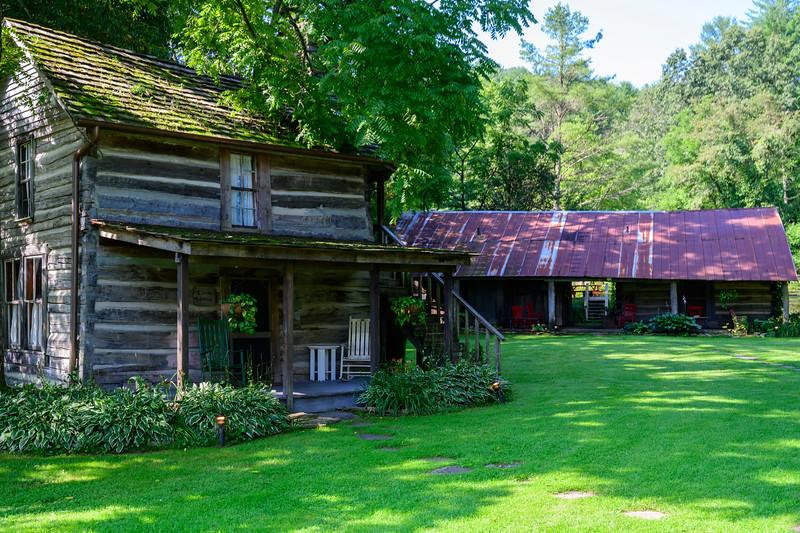 Cabins at Mast Farm Inn