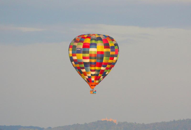 Balloon over Belvoir.jpg