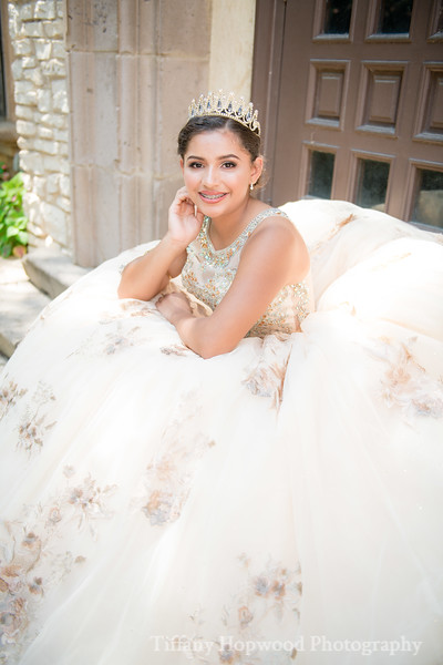 Quince Dress Session- Evelyn