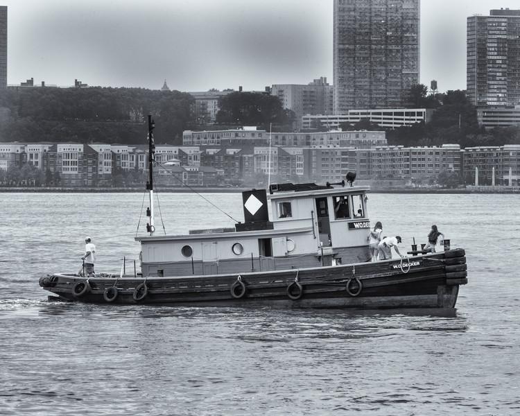 2013TugboatRaceAndFestival-18