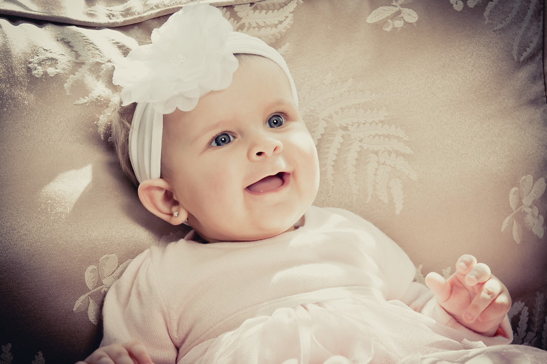 Lily at 6 months-4591-2.jpg