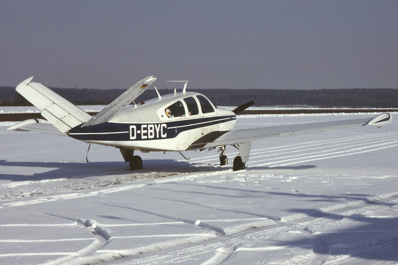 D-EBYC-BeechcraftV35BBonanza-Private-EDXM-2004-02-28-NQ-44-KBVPCollection.jpg