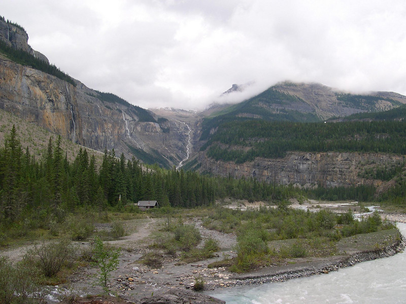Valley of a Thousand Falls: Three miles past Kinney Lake and time for lunch.