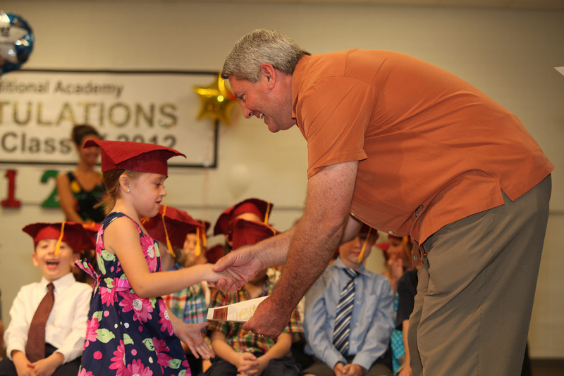2012May18_MTA Kinder Grad_9715.JPG