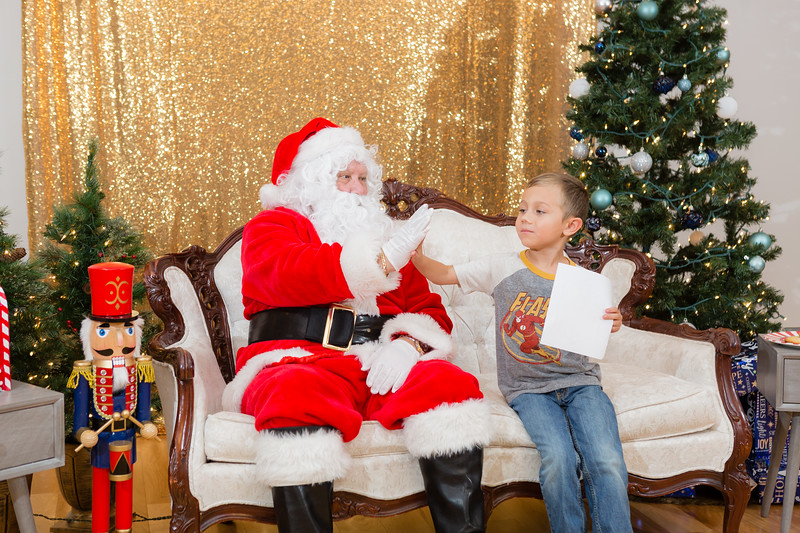 FADS Picture with Santa-282.jpg