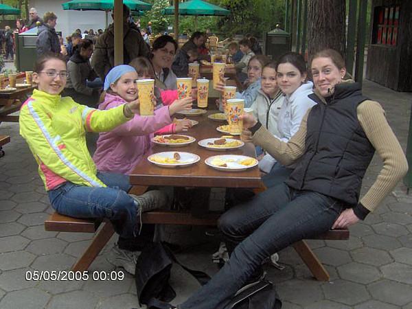 07.05.2005 - Naar de Efteling met de jeugd