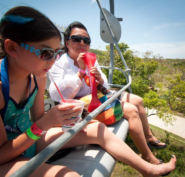 Saxaphone player-Manly Beach-Sydney Australia-6169.jpg