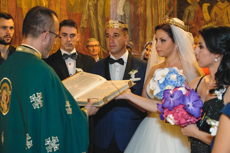 Andreea-biserica-18-October-2014-Nunta--LD2_7699Liviu-Dumitru.jpg
