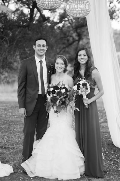 Alexa + Ro Family Portraits-74.jpg
