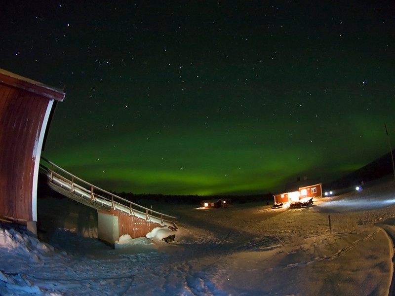 Clear skies again on third night at base camp as the aurora came out to play again. Olympus E3, 7-14mm.