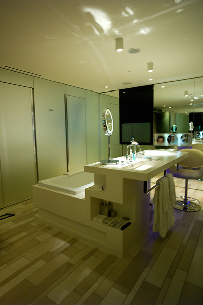 W London Leicester Square, spa suite