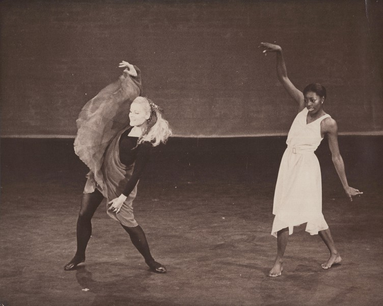 Dance_0875.jpg