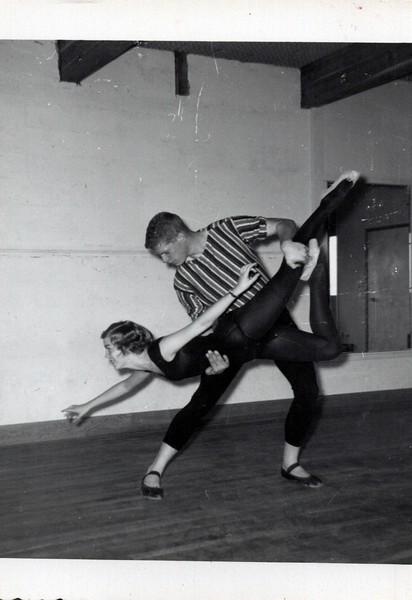 Dance_1228_a.jpg