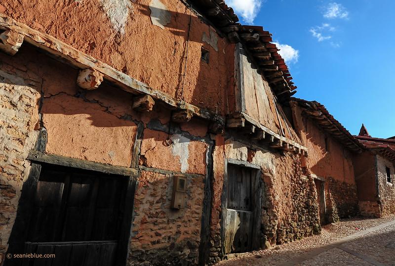 KCMB catalanazor village 2000-70-1199.jpg