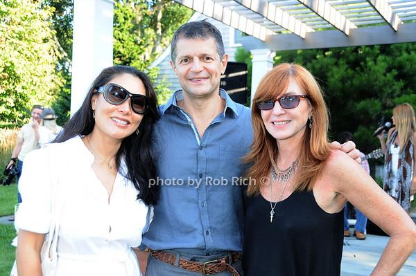 Linda Ong, Gerry Logue, Nicole Miller photo by Rob Rich © 2010 robwayne1@aol.com 516-676-3939