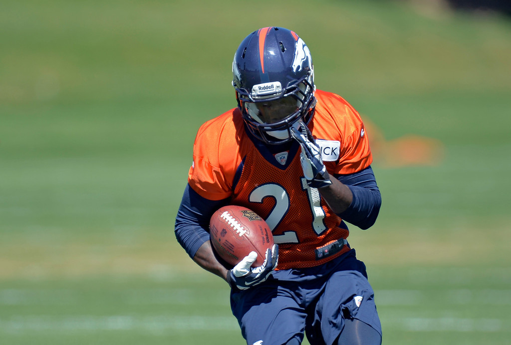 . Denver Broncos running back Ronnie Hillman (21) runs through running drills during practice  August 26, 2013 at Dove Valley. (Photo by John Leyba/The Denver Post)