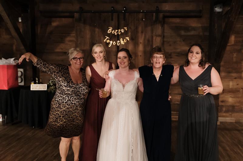 rustic_ohio__fall_barn_wedding-450.jpg