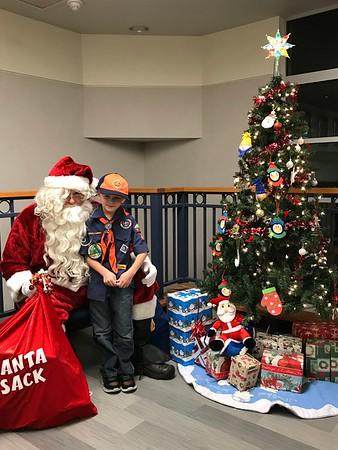 20181218 - Dec Pack Mtg-Santa