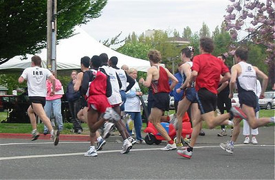 2003 Times-Colonist 10K - Rob Harmsworth led after 400m