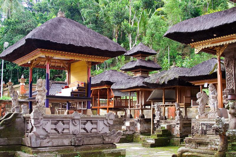 Besakih Temple 9.jpg