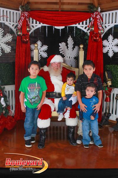 Santa 12-10-16-178.jpg