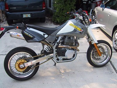 CCM 604e Supermoto