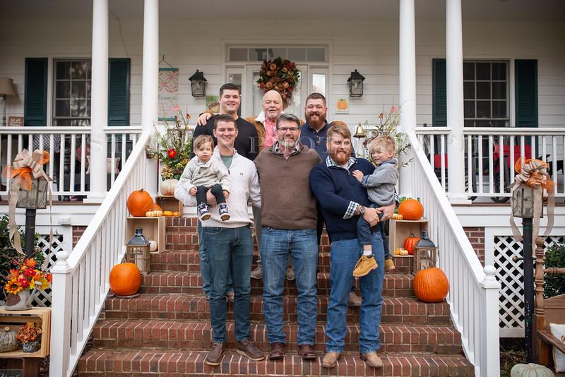 2019 November Ellis Family-235-141.jpg